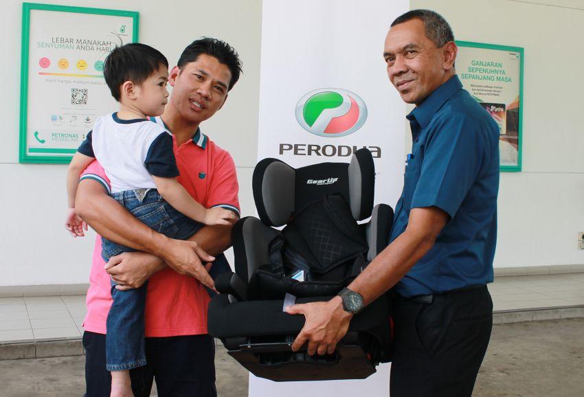 Perodua gives away 100 child seats for Hari Raya Image #826199