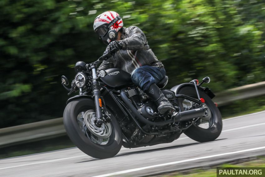 REVIEW: 2018 Triumph Bonneville Bobber Black – muscular retro-styled classic riding, RM74,900 Image #826309