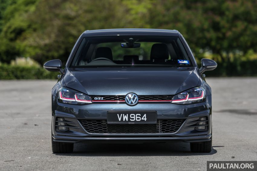 FIRST DRIVE: 2018 Volkswagen Golf GTI and R Mk7.5 Image #826952