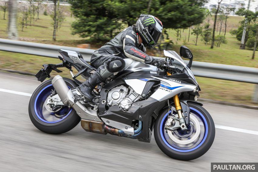 VIDEO: 2017 Yamaha YZF-R1M – road-going race bike Image #841841