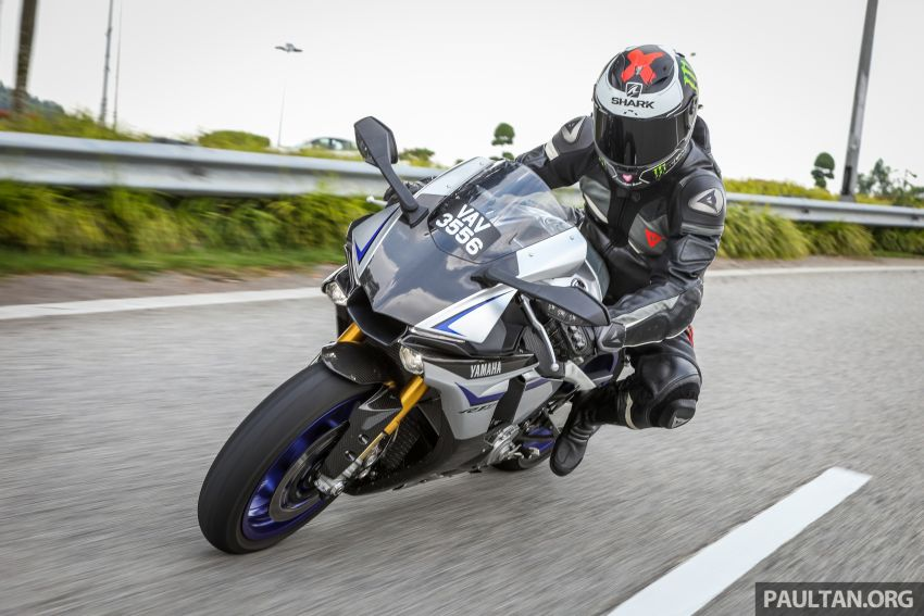 VIDEO: 2017 Yamaha YZF-R1M – road-going race bike Image #841845