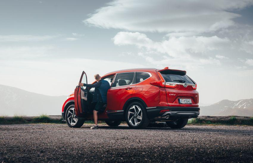 Honda CR-V for Europe – 1.5 litre VTEC Turbo, 7 seats Image #840117