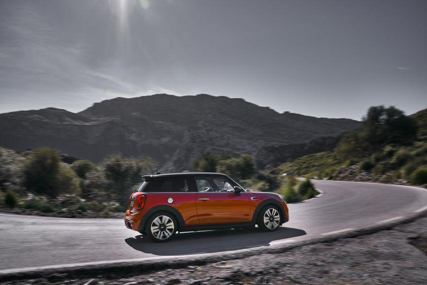 DRIVEN: 2018 MINI 3 Door Cooper S facelift in Spain Image #837858