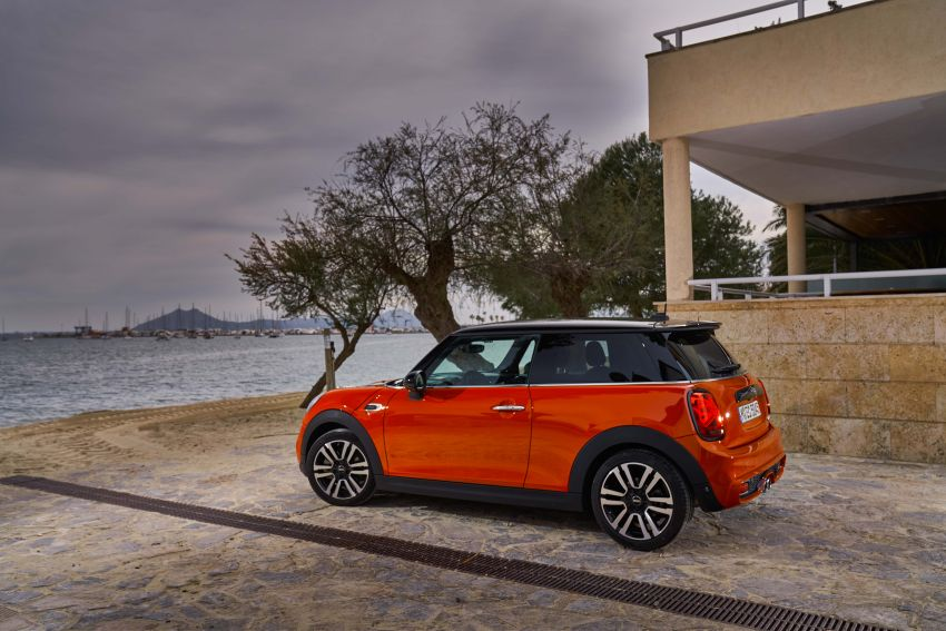 DRIVEN: 2018 MINI 3 Door Cooper S facelift in Spain Image #837883