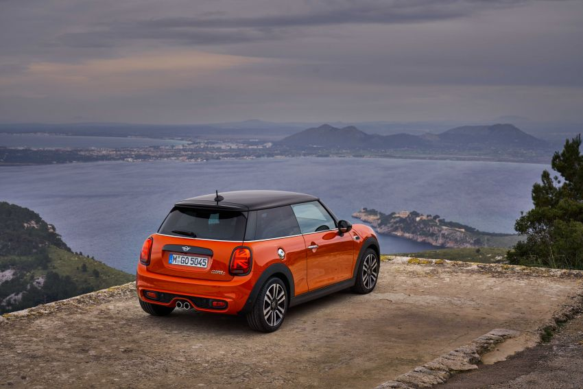 DRIVEN: 2018 MINI 3 Door Cooper S facelift in Spain Image #837887