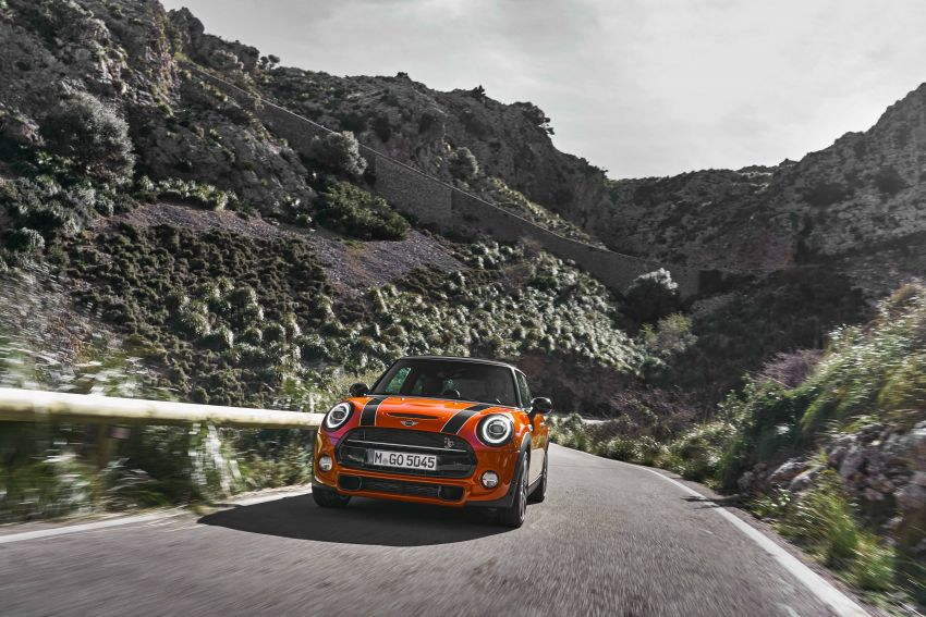 DRIVEN: 2018 MINI 3 Door Cooper S facelift in Spain Image #837863