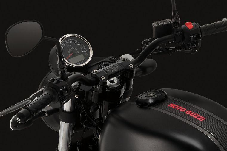 2018 Moto Guzzi V7 III Carbon soon in Malaysia Image #838316
