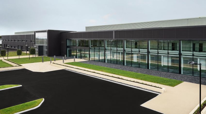 Aston Martin completes phase two of St Athan plant, which will build brand's first SUV in late 2019 Image #841927