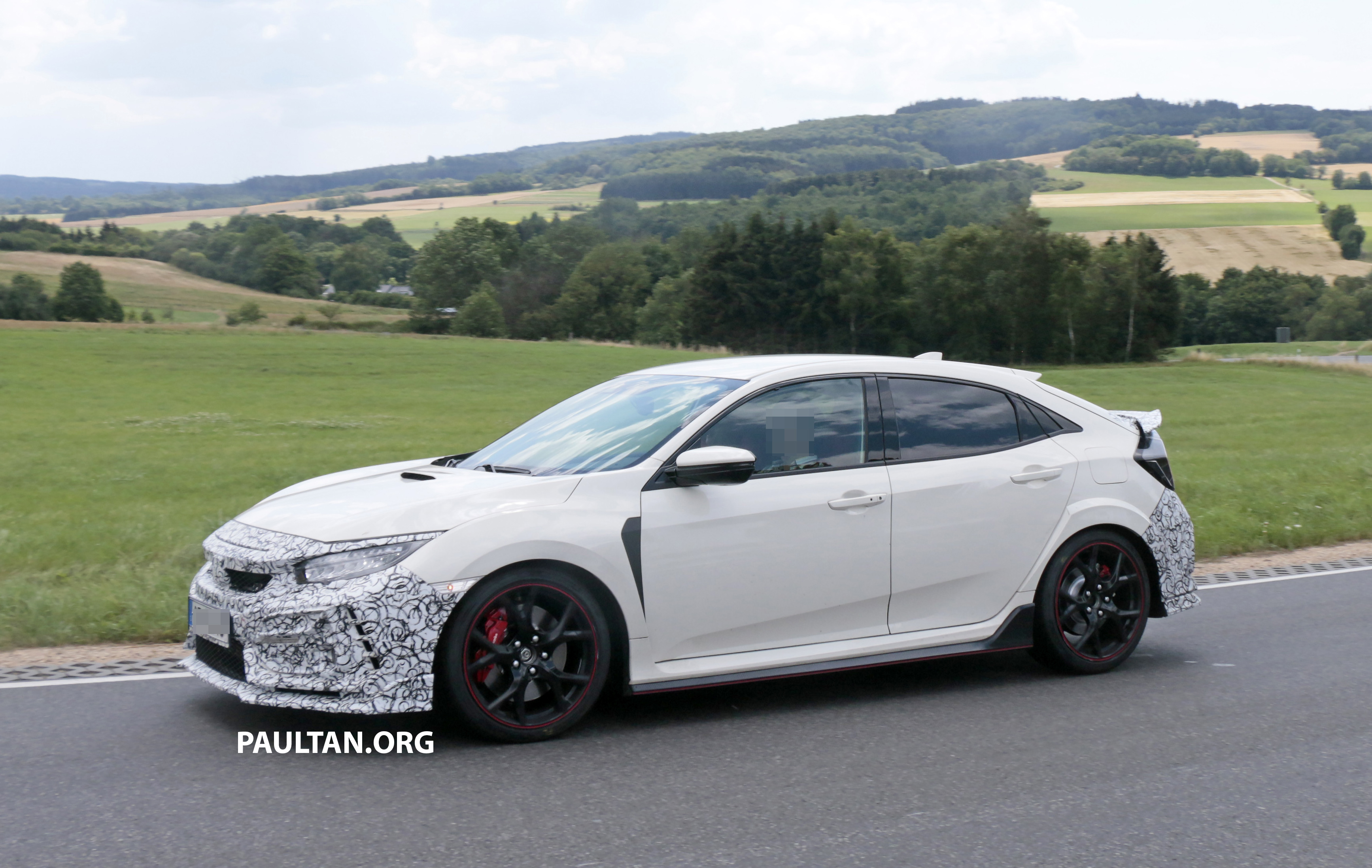 SPIED: Honda Civic Type R update – two wing designs Paul ...