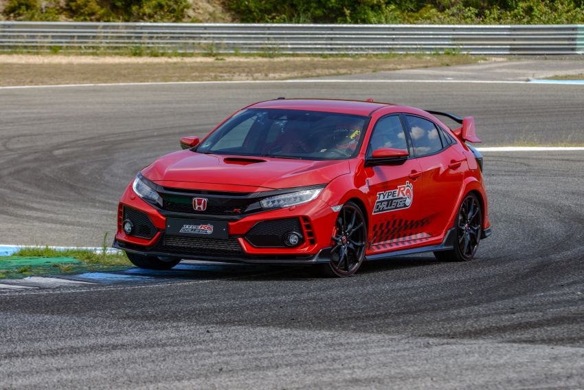 FK8 Honda Civic Type R breaks FWD record at Estoril Image #842291