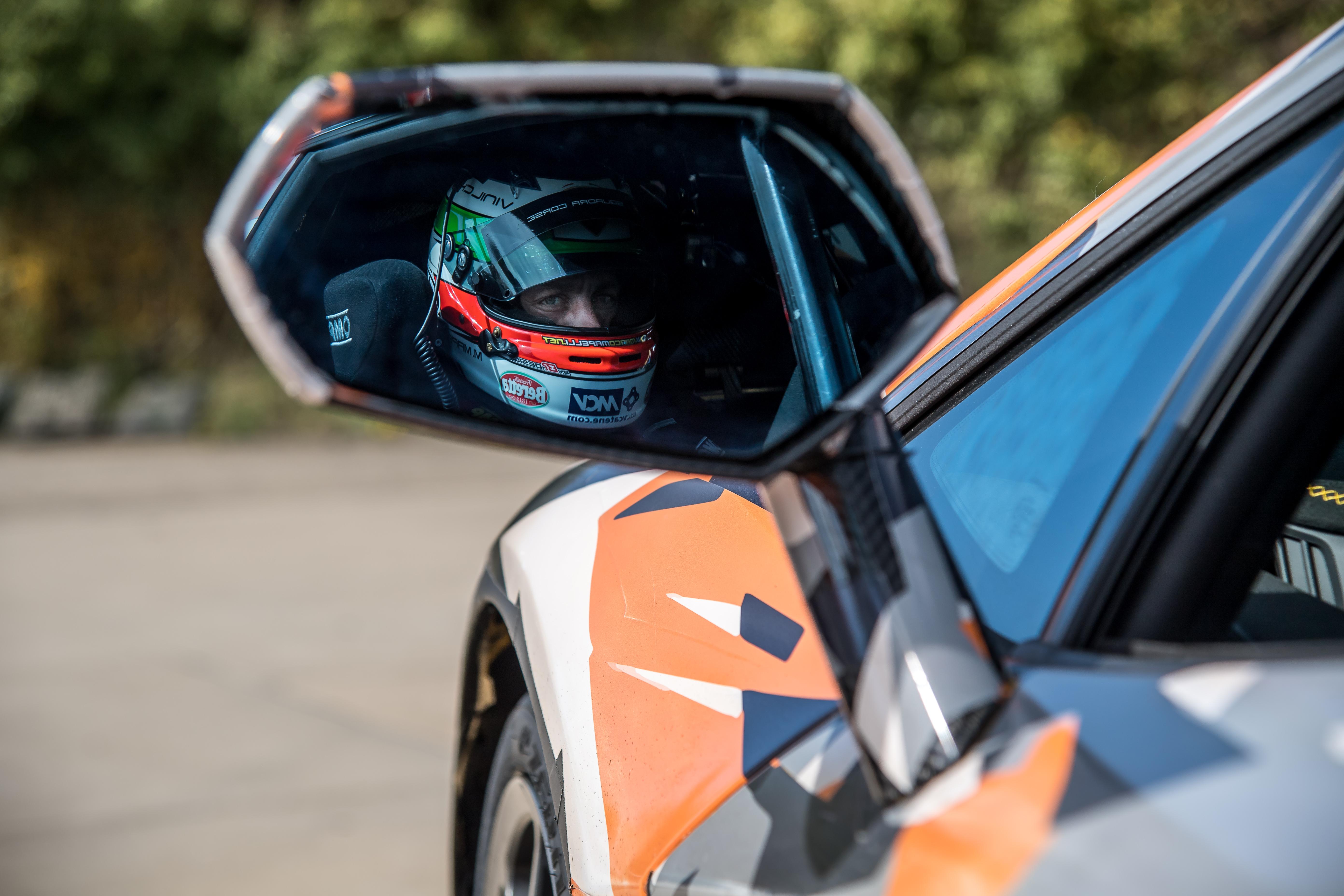 Lamborghini Aventador Svj Sets New N 252 Rburgring Record 6 Minutes 44 97 Seconds Beats The Gt2 Rs