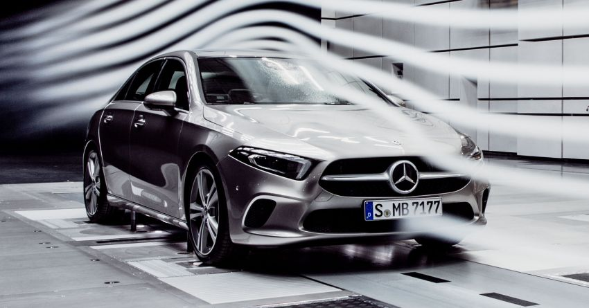 Mercedes benz a class sedan to debut at end of 2018 same for Mercedes benz global
