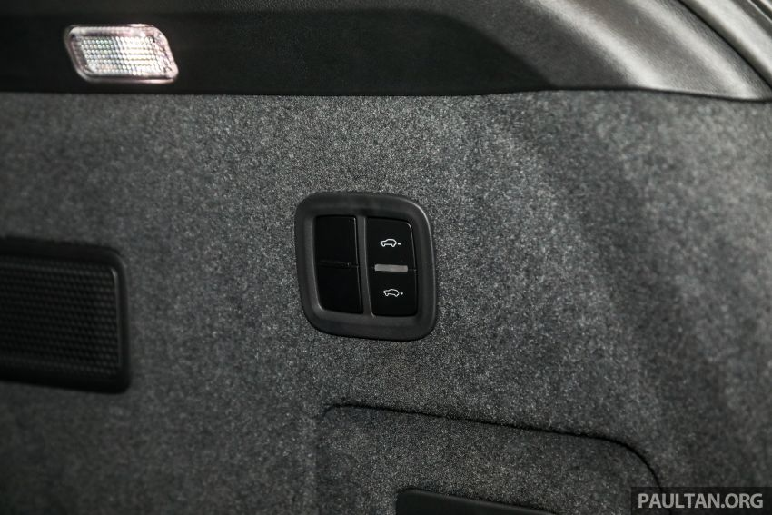 Porsche Cayenne generasi ketiga dilancar di Malaysia – dua varian ditawarkan, harga bermula dari RM745k Image #836922