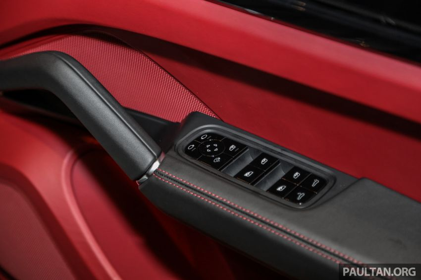 Porsche Cayenne generasi ketiga dilancar di Malaysia – dua varian ditawarkan, harga bermula dari RM745k Image #836583