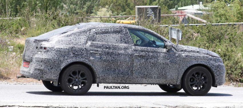 SPIED: Renault Captur coupe prior to Russia debut Image #835296