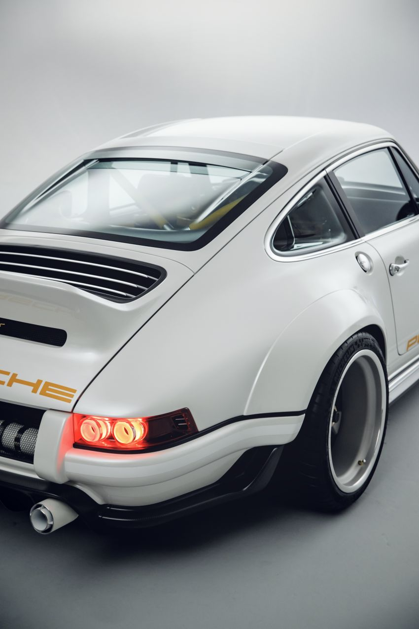 Porsche 911 Singer Vehicle Design DLS – 4.0L, 500 hp Image #839073