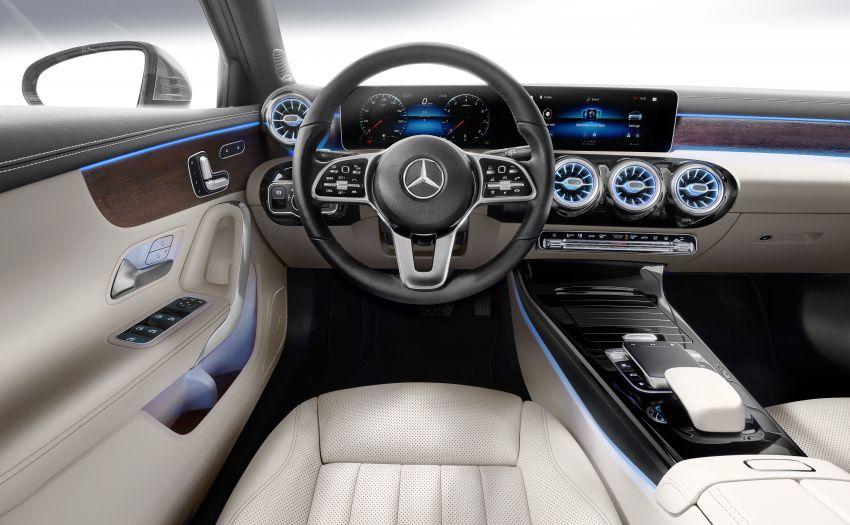 V177 Mercedes-Benz A-Class Sedan finally unveiled Image #842981