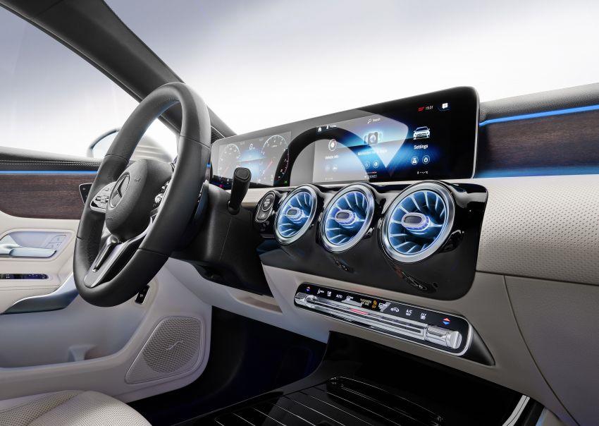 V177 Mercedes-Benz A-Class Sedan finally unveiled Image #842996