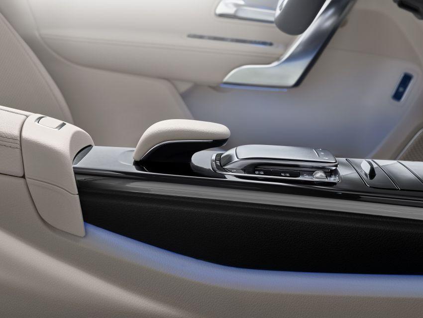 V177 Mercedes-Benz A-Class Sedan finally unveiled Image #843009
