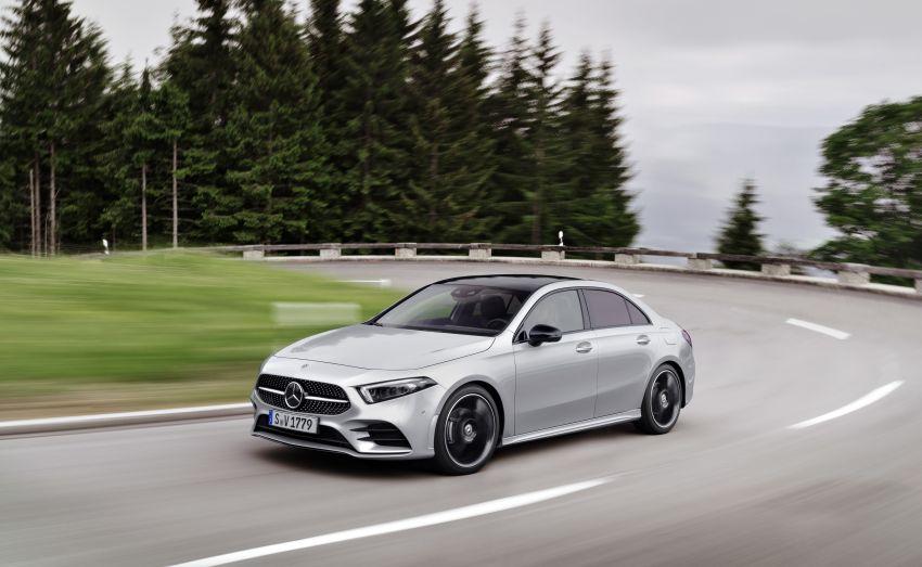 V177 Mercedes-Benz A-Class Sedan finally unveiled Image #842903