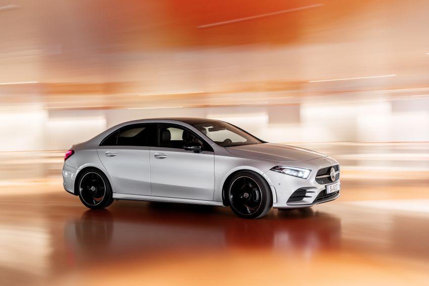 V177 Mercedes-Benz A-Class Sedan finally unveiled Image #842908