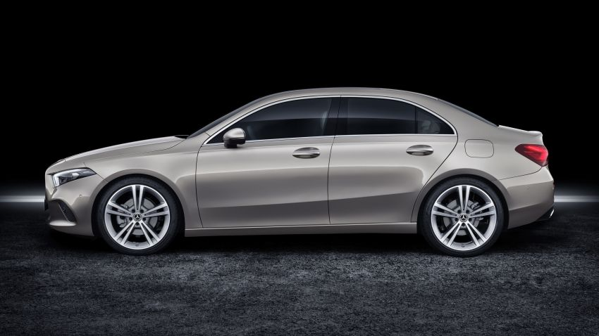 V177 Mercedes-Benz A-Class Sedan finally unveiled Image #842884