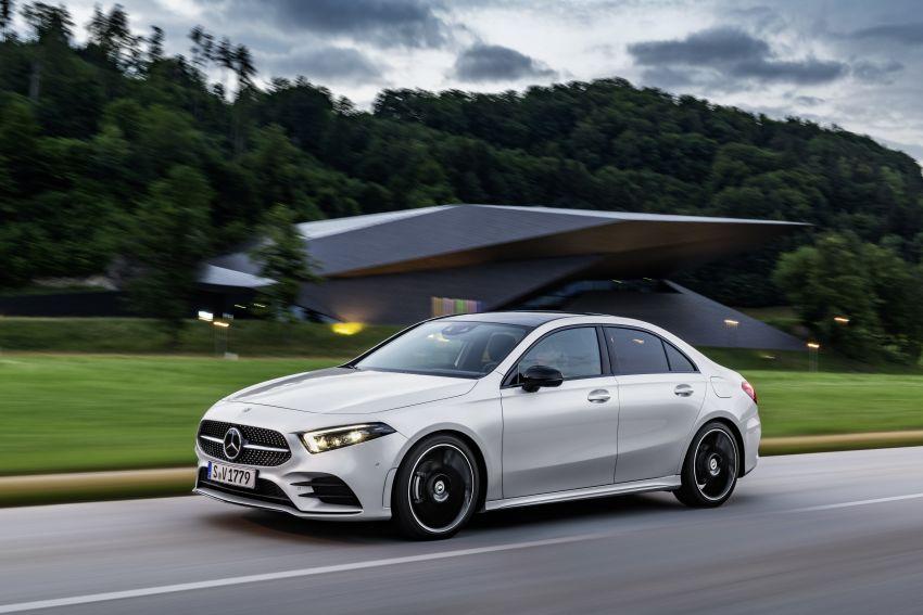 V177 Mercedes-Benz A-Class Sedan finally unveiled Image #842920