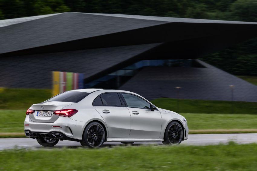 V177 Mercedes-Benz A-Class Sedan finally unveiled Image #842924