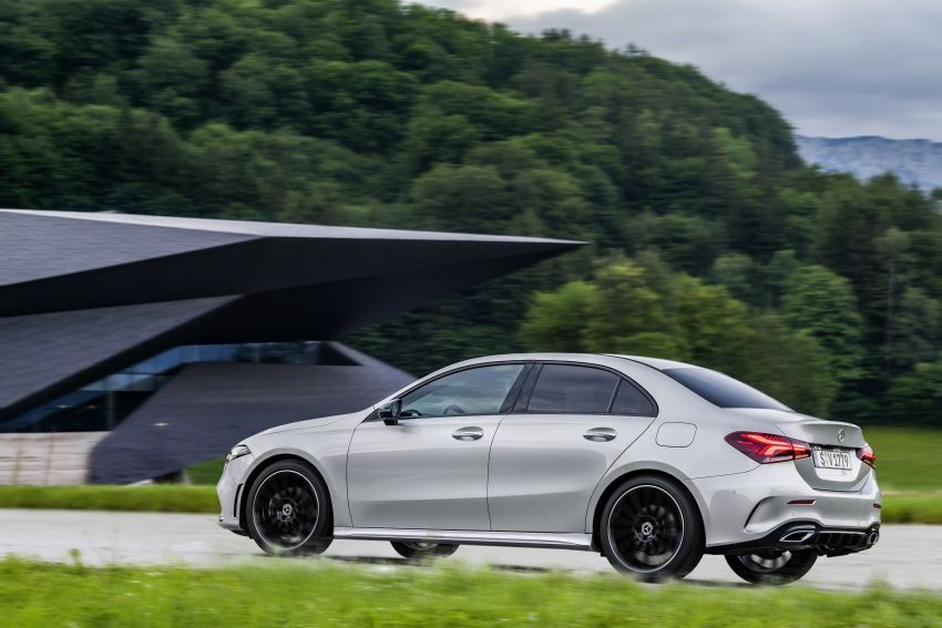 V177 Mercedes-Benz A-Class Sedan finally unveiled Image #842925