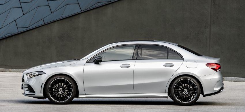 V177 Mercedes-Benz A-Class Sedan finally unveiled Image #842928