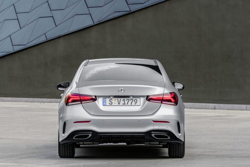 V177 Mercedes-Benz A-Class Sedan finally unveiled Image #842934