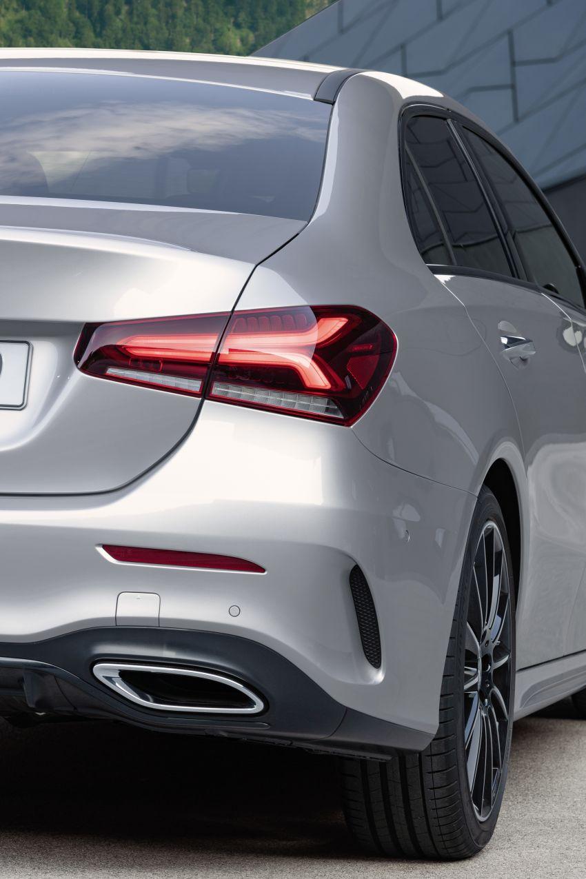 V177 Mercedes-Benz A-Class Sedan finally unveiled Image #842935