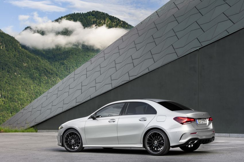 V177 Mercedes-Benz A-Class Sedan finally unveiled Image #842937