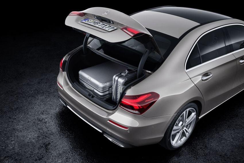 V177 Mercedes-Benz A-Class Sedan finally unveiled Image #842961