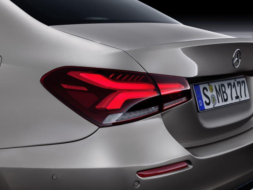 V177 Mercedes-Benz A-Class Sedan finally unveiled Image #842967