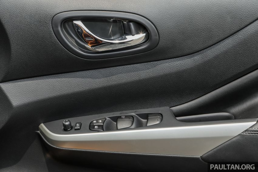 GALLERY: Nissan Navara VL Plus – top spec, RM120k Image #853812