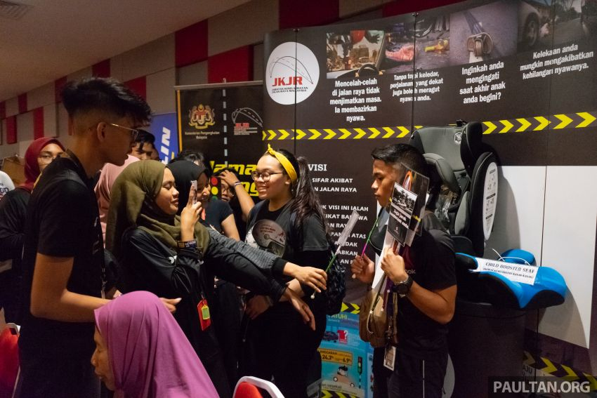 Petron kicks off Road Safety Program in UTM KL, aims to inculcate good driving habits to 5,000 students Image #849336
