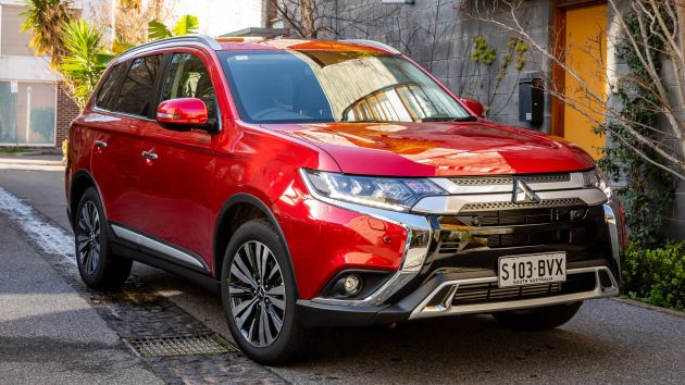mitsubishi outlander gets minor 2019 updates in australia. Black Bedroom Furniture Sets. Home Design Ideas