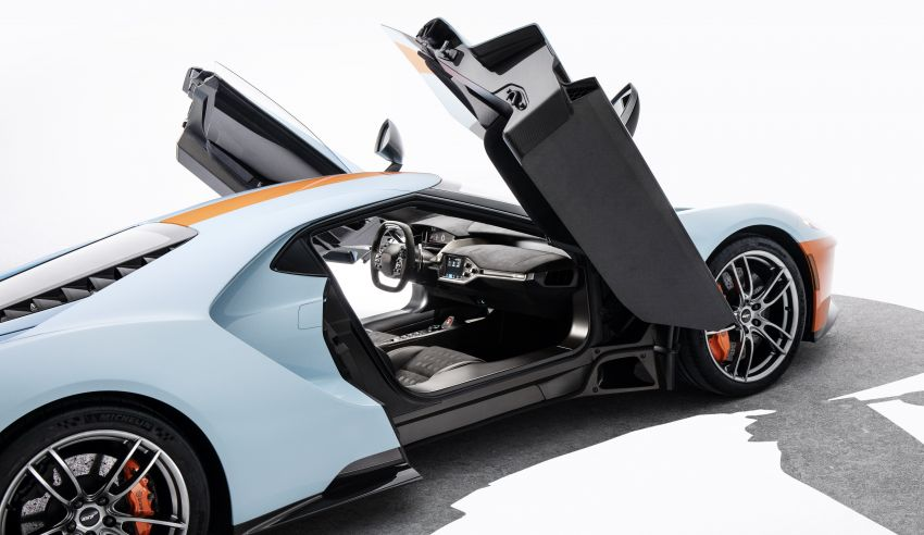 2019 Ford GT Heritage Edition with iconic Gulf livery Image #855376