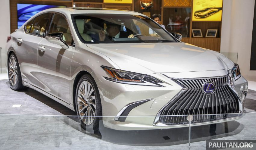 GIIAS 2018: New Lexus ES 300h launched in Indonesia Image #846536
