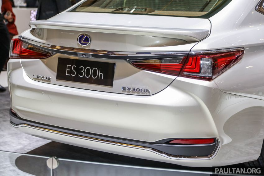 GIIAS 2018: New Lexus ES 300h launched in Indonesia Image #846545