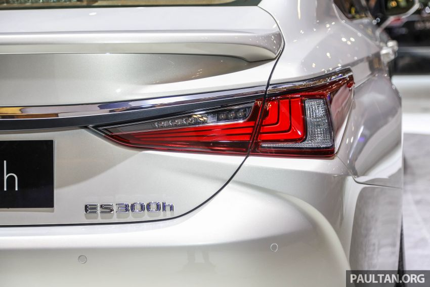 GIIAS 2018: New Lexus ES 300h launched in Indonesia Image #846546