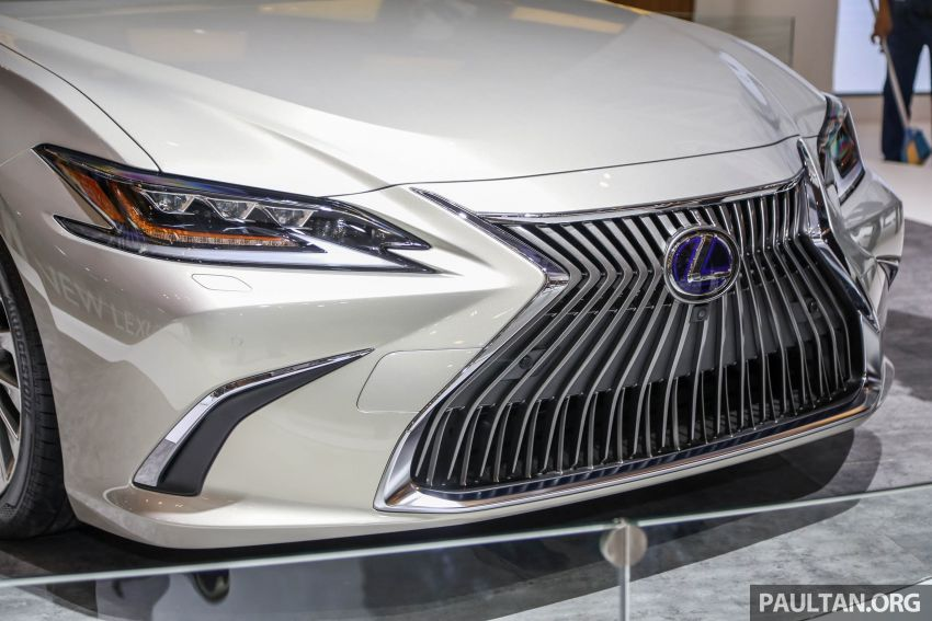 GIIAS 2018: New Lexus ES 300h launched in Indonesia Image #846541
