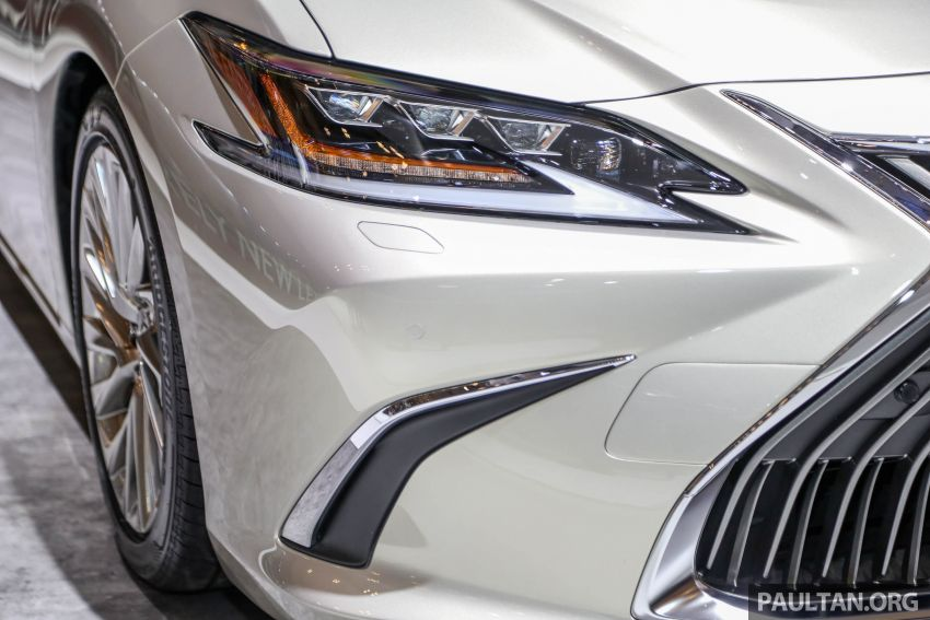 GIIAS 2018: New Lexus ES 300h launched in Indonesia Image #846542