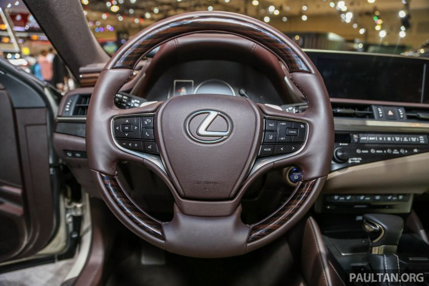 GIIAS 2018: New Lexus ES 300h launched in Indonesia Image #846552
