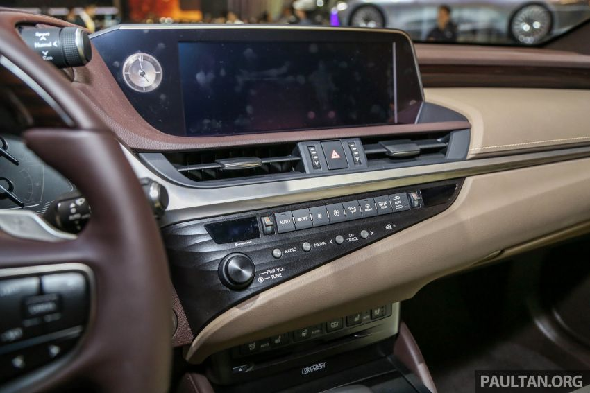 GIIAS 2018: New Lexus ES 300h launched in Indonesia Image #846553