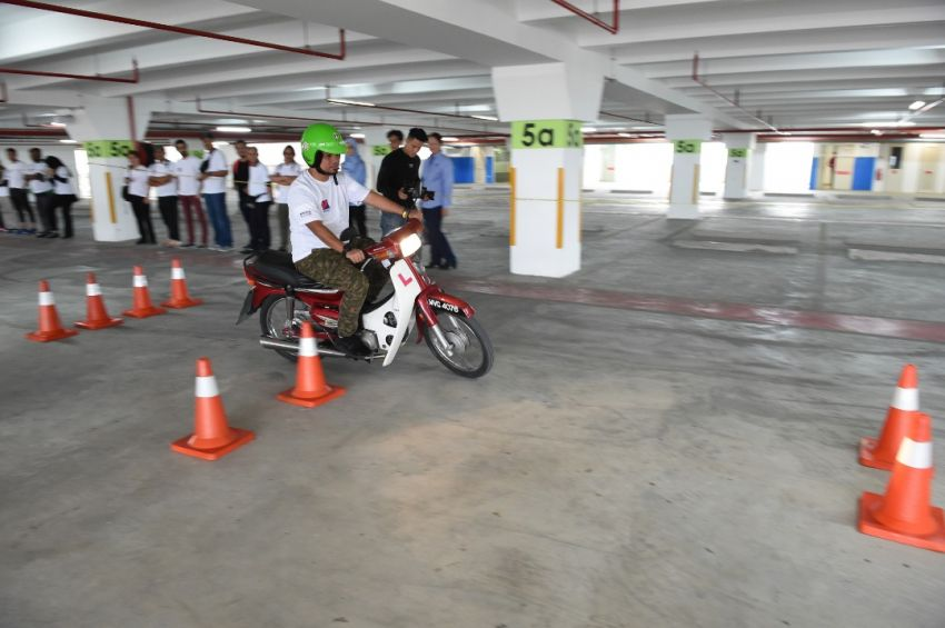 Petron kicks off Road Safety Program in UTM KL, aims to inculcate good driving habits to 5,000 students Image #849330