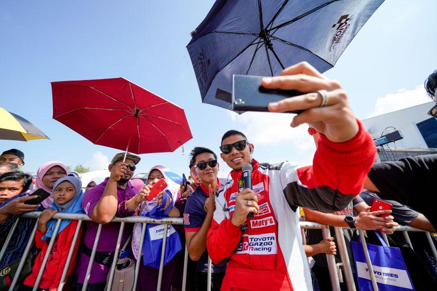 Perlumbaan kedua <em>Vios Challenge</em> di Terengganu terus dipenuhi aksi-aksi dramatik dan semangat tinggi Image #847477