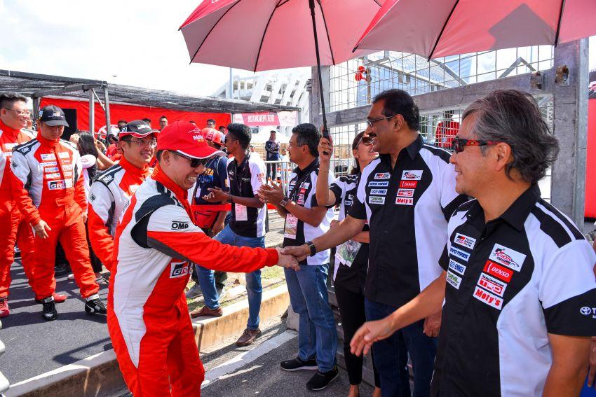 Perlumbaan kedua <em>Vios Challenge</em> di Terengganu terus dipenuhi aksi-aksi dramatik dan semangat tinggi Image #847481