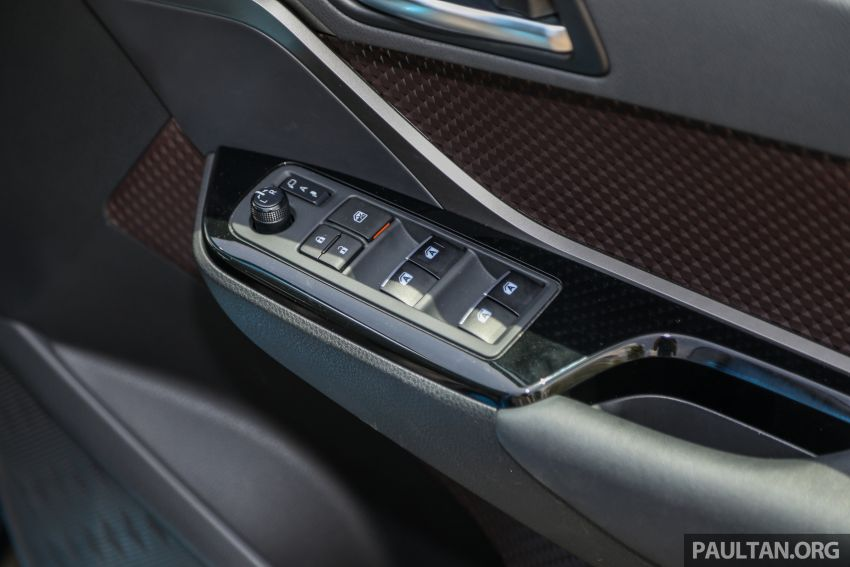 PANDU UJI: Toyota C-HR – Penyatuan ekspresi gaya dan prestasi kuasa; berbaloikah dengan harganya? Image #855190